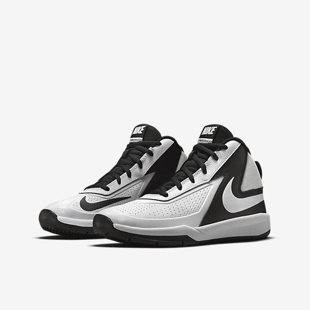 96eb6c250d9 Nike Team Hustle D 7 Big Kids  Basketball Shoe (3.5y-7y). Nike.com