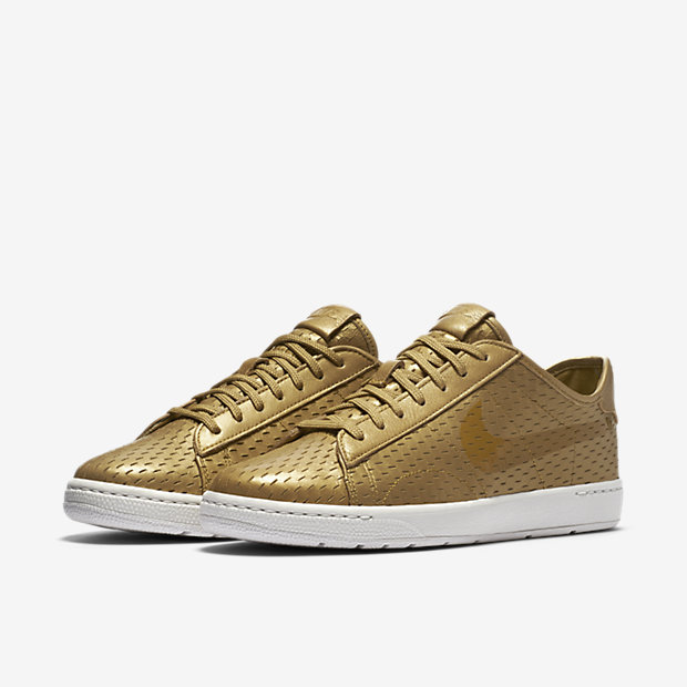 premium nike shox q'vida - Nike Tennis Classic Ultra Premium Women's Shoe. Nike.com