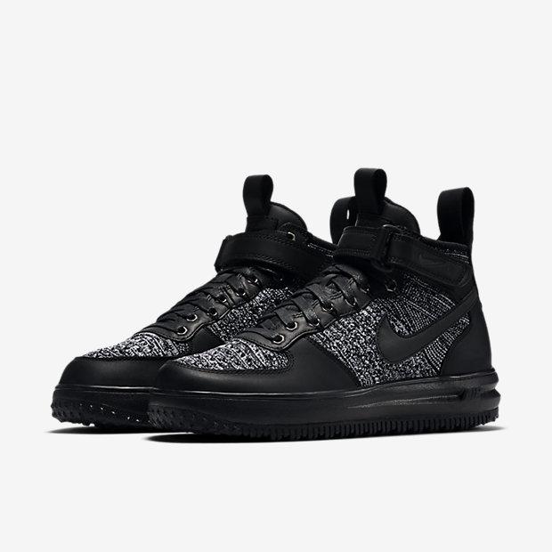 chaussures nike lunar