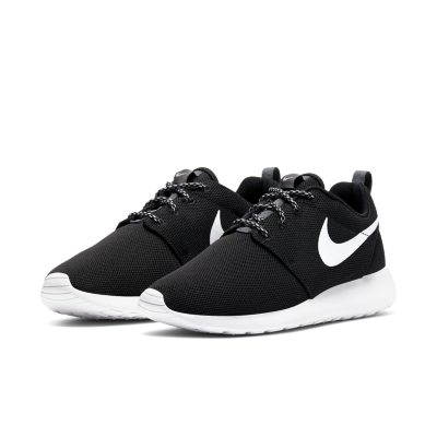 Nike Roshe Black And White