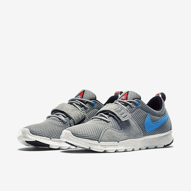 Nike-Trainerendor-Mens-Shoe-616575_040_E