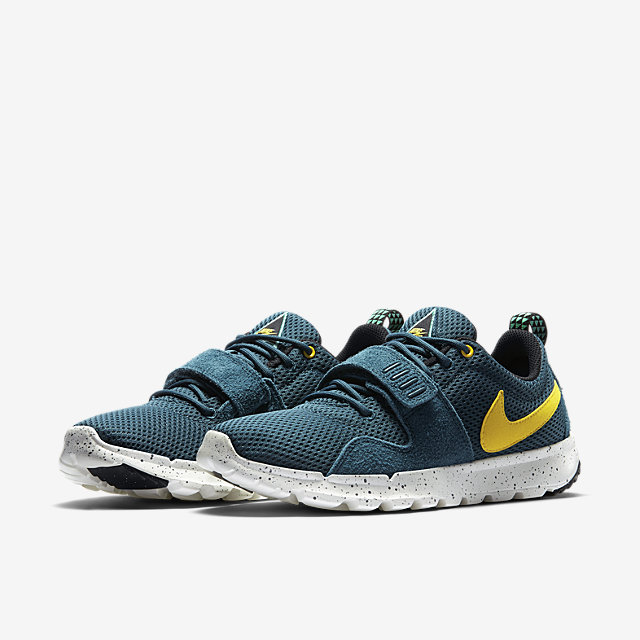 Nike-Trainerendor-Mens-Shoe-616575_370_E
