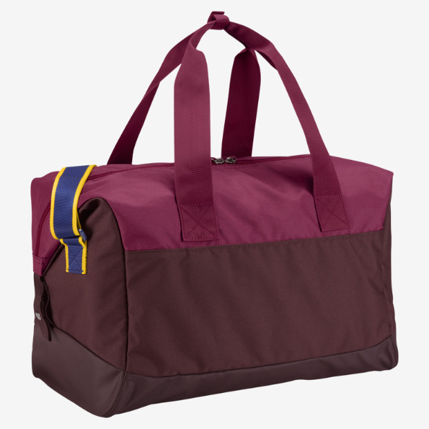 بوتيغا برشلونية  FC-Barcelona-Allegiance-Shield-20-Compact-Duffel-Bag-BA4780_676_B