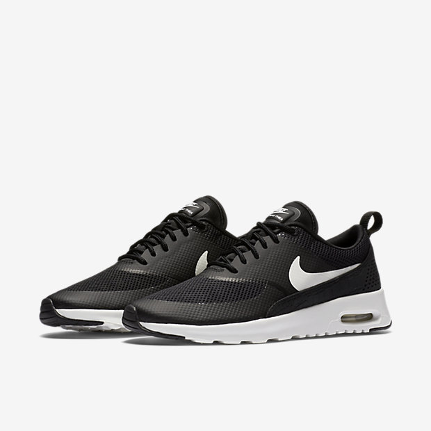 Women's Nike Air Max Thea Ultra Flyknit 'Black & White'. Nike SNKRS