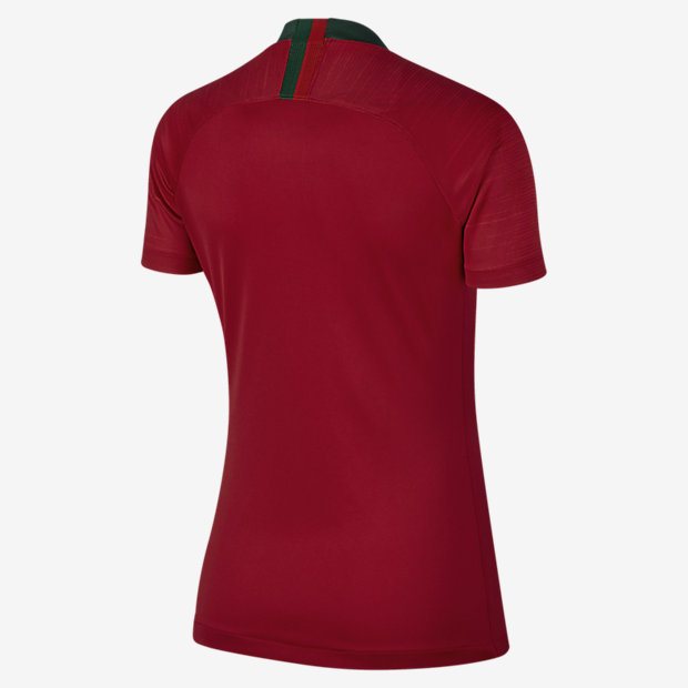 4f0ad3f9d6 2018 Portugal Stadium Home Women s Football Shirt. Nike.com UK