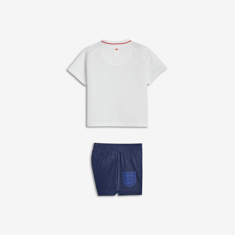 e9a444b5dfe4d6 Strój piłkarski dla niemowląt 2018 England Stadium Home. Nike.com PL